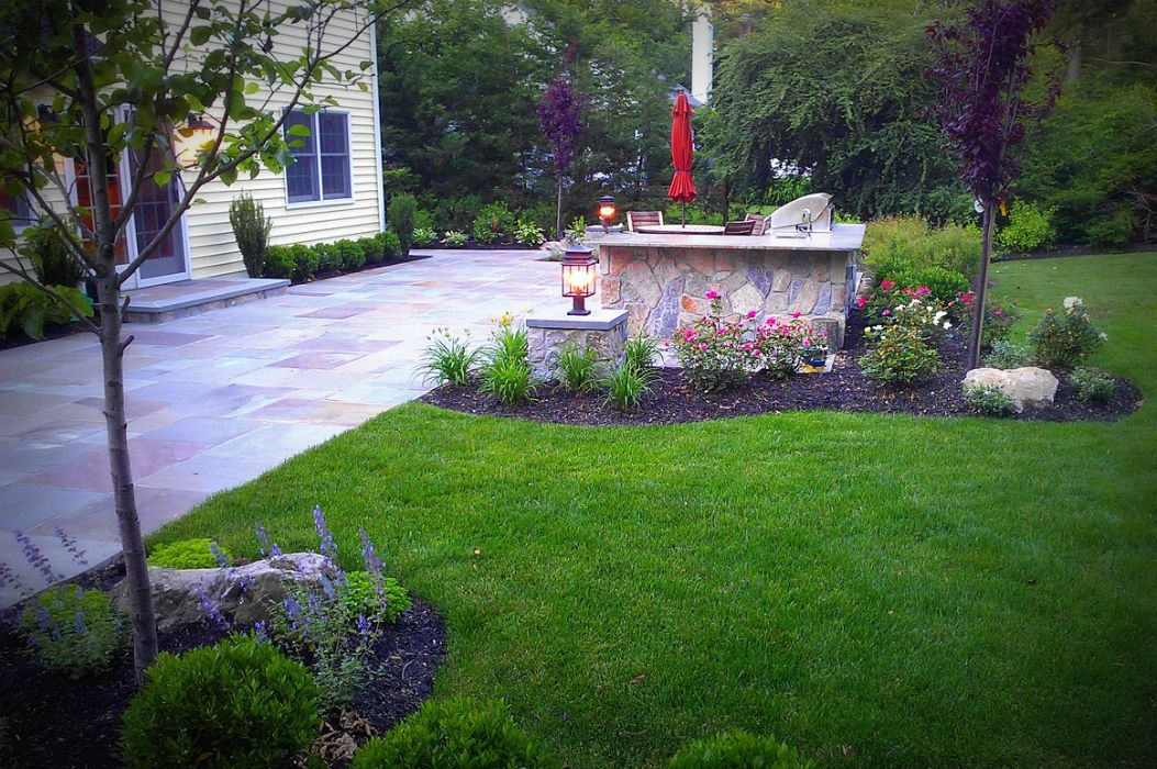 island landscaping ideas with stones
